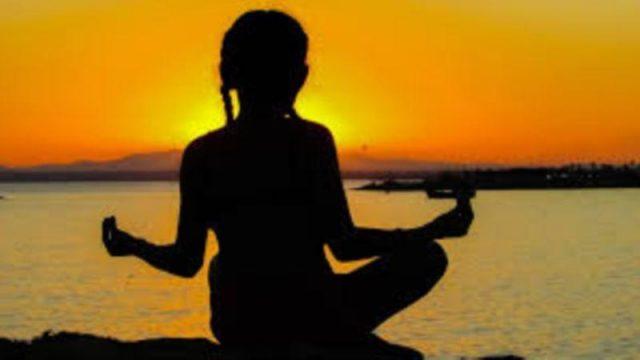 Penelitian: Meditasi Perbaiki Fokus bagi Orang dengan Kecemasan Berlebihan